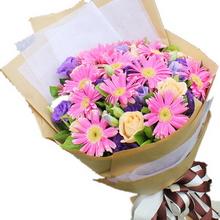 15支粉色扶郎花,6支香槟玫瑰(或粉色)搭配紫色桔梗或紫色勿忘我装饰