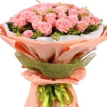 33枝戴安娜粉玫瑰,葉上黃金,綠葉搭配