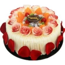 圓形水果蛋糕,時令水果搭配,外圈鮮奶玫瑰花,外壁新鮮玫瑰花瓣