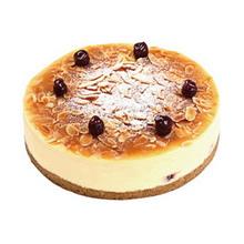 圓形芝士蛋糕,杏仁片鋪面,水果點綴裝飾