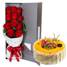 11朵红色玫瑰;圆形水果蛋糕 ,多种水果中间点缀,黄桃围圈,长方形巧克力片围边