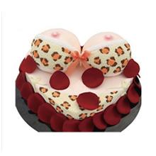 心形鮮奶比基尼蛋糕,新鮮玫瑰花瓣裝飾