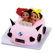 方形小汽車造型蛋糕,卡通娃娃、巧克力裝飾、奧利奧餅干裝飾
