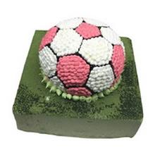 12寸方形抹茶+8寸球形雙層蛋糕,底層為抹茶,上層為足球造型鮮奶蛋糕