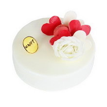 圓形巧克力蛋糕,白巧克力淋面,巧克力、玫瑰花、馬卡龍或奧利奧餅干裝飾