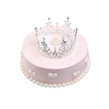 圆形鲜奶皇冠蛋糕,水果夹层,皇冠装饰(皇冠装饰已店里为准)