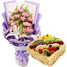 19朵粉色康乃馨,1支多頭白百合,黃鶯間插,勿忘我外圍;方形水果蛋糕,各式時令水果鋪面,杏仁片外圍