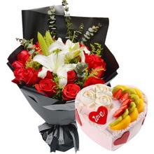 19朵红玫瑰,2支多头白百合,黄莺、尤加利叶间插;心形水果蛋糕,时令水果搭配,鲜奶裱花,巧克力装饰点缀