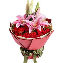 2枝多頭粉百合,29枝紅康乃馨,適量黃鶯搭配