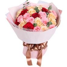 29枝玫瑰(3种颜色),戴安娜粉玫瑰11枝,香槟玫瑰13枝,红玫瑰5枝,搭配适量绿叶