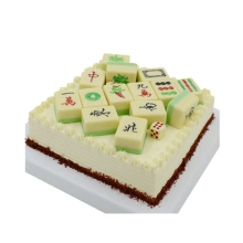 方形麻將蛋糕,麻將子鋪面,底部巧克力碎搭配