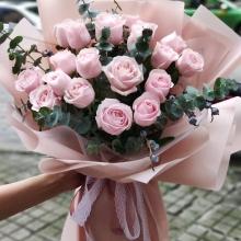19枝精品粉佳人玫瑰,尤加利葉搭配