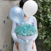 蓝色满天星一束,2个气球装饰