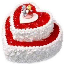 8寸+12寸雙層心形水果蛋糕 草莓果醬 蛋糕中間2個可愛人物裝飾