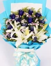 12朵蓝玫瑰百合