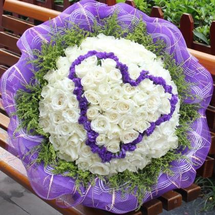 099枝玫瑰花/白玫瑰图片