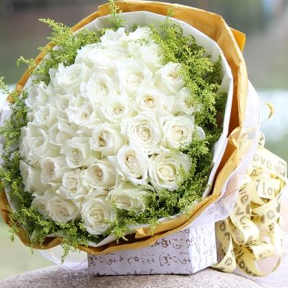 33枝玫瑰花/白玫瑰