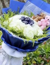 36朵白蓝玫瑰鲜花
