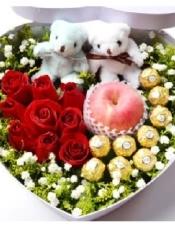 红玫瑰9支,9颗费利罗巧克力,1个苹果黄莺满天星搭配