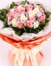 混色玫瑰19朵,石竹梅或其他配花搭配