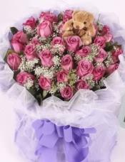 33支紫玫瑰,可爱小熊一只,栀子叶、蕾丝搭配