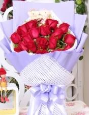 19朵红玫瑰,2只可爱小熊,黄莺搭配