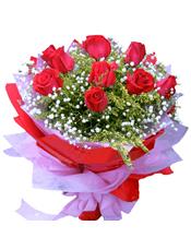 9支红玫瑰,大黄莺.满天星搭配