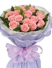 19枝粉玫瑰,绿叶适量