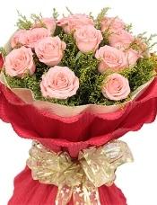 19枝粉玫瑰,黄莺丰满搭配.