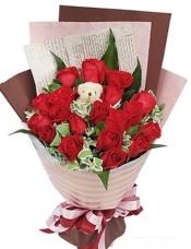 19枝红玫瑰,5寸小熊一只,巴西木叶3片,叶上花适量搭配