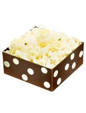 好利来生日蛋糕,内部21层制作工艺,浪漫魔盒的造型及寓意令每位女孩为之心动