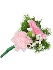 粉色康乃馨1枝,星点木,满天星、蓬莱松少许。(10个起订)