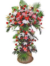 白色香水百合,粉色香水百合,红掌,红色玫瑰,小鸟搭配,散尾葵叶适量。