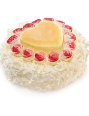 水果蛋糕, 玫瑰花环绕着心形芝士蛋糕,送出这样令人心动的蛋糕,定会收获满满浓情。 最佳食用温度:7℃,当天食用口感最佳。 储存条件:2-7℃冷藏保存。