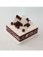 口味:樱桃巧克力(巧克力蛋糕坯+黑樱桃果冻+特调乳脂奶油)