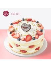 由草莓、稀奶油、蓝莓、原味戚风蛋糕等制作