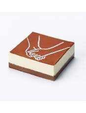口感冰�黾��,白巧克力慕斯的甜,�c底部黑巧克力�u的苦