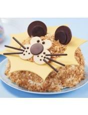 松软的香草味戚风蛋糕,搭配布丁、黄桃内馅,栩栩如生的立体造型,带你领略狮子王的威风,进入想象的世界。
