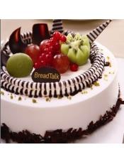 香草蛋糕胚、新鲜奶油夹心、新鲜水果