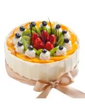 水果蛋糕:乳脂奶油搭配新鲜水果,酸甜又元气,这一份香醇美好的礼物,给有趣的你。