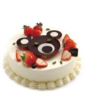 蛋糕原来也可以这样可爱,小熊让奶油也多了几分缤纷童趣。