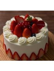 娇艳欲滴草莓公主,在100%使用天然稀奶油的陪衬下鲜美无比,似乎每个人都想咬上一口