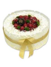 糕胚:原味胚 装饰:樱桃果肉,白巧克力