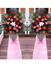 红色扶郎花、粉色扶郎花、橘色扶郎花、1支白百合,搭配适量散尾葵、栀子叶,类型 :单个花篮