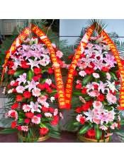 精品粉色扶郎花、红色扶郎花、粉多头百合、红玫瑰,搭配适量散尾葵、巴西叶,类型 :单个花篮