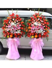 精品红色扶郎花、橘色扶郎花、粉玫瑰、粉多头百合、白多头百合,搭配适量散尾葵、巴西叶、粉色剑兰,类型 :单个花篮