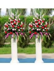 粉玫瑰、红色康乃馨、洋兰,搭配适量龟背叶、栀子叶、金鱼草、剑兰、巴西叶,类型 :单个花篮