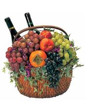 柿子、葡萄、提子等时令水果+2瓶恺撒美乐干红。