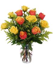 6枝彩色玫瑰和6枝黄玫瑰,黄英点缀,绿叶间插