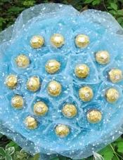 19颗费列罗巧克力包扎成高档美丽花束